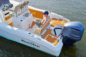 NauticStar's 251 Hybrid is the perfect size for a family boat that's also a tournament-ready fishing platform.