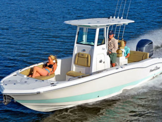 NauticStar's 251 Hybrid is the perfect size for a family-friendly boat that's also a tournament-ready fishing platform.