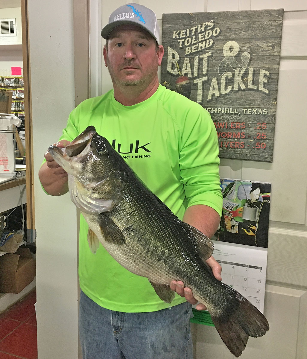 Texas' Terance Corley displays his Toledo Bend 10.17-pounder taken Tuesday, June 16, in Housen. (Photo courtesy of Toledo Bend Lake Association)
